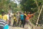 Amal Sholeh Relawan LDII Memperbaiki Rumah Korban Angin Puting Beliung
