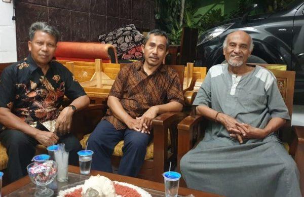 (ki-ka) H. Rusni Hasan (Sekretaris DPW LDII NTT), Mustafa Beleng, SH, MH (Ketua DPW LDII NTT) & H. Abdul Kadir Makarim Ketua Umum Majelis Ulama Indonesia Provinsi Nusa Tenggara Timur, Sabtu, 9 November 2019 di Kota Kupang